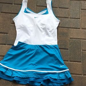 Nike skirt size s top size M